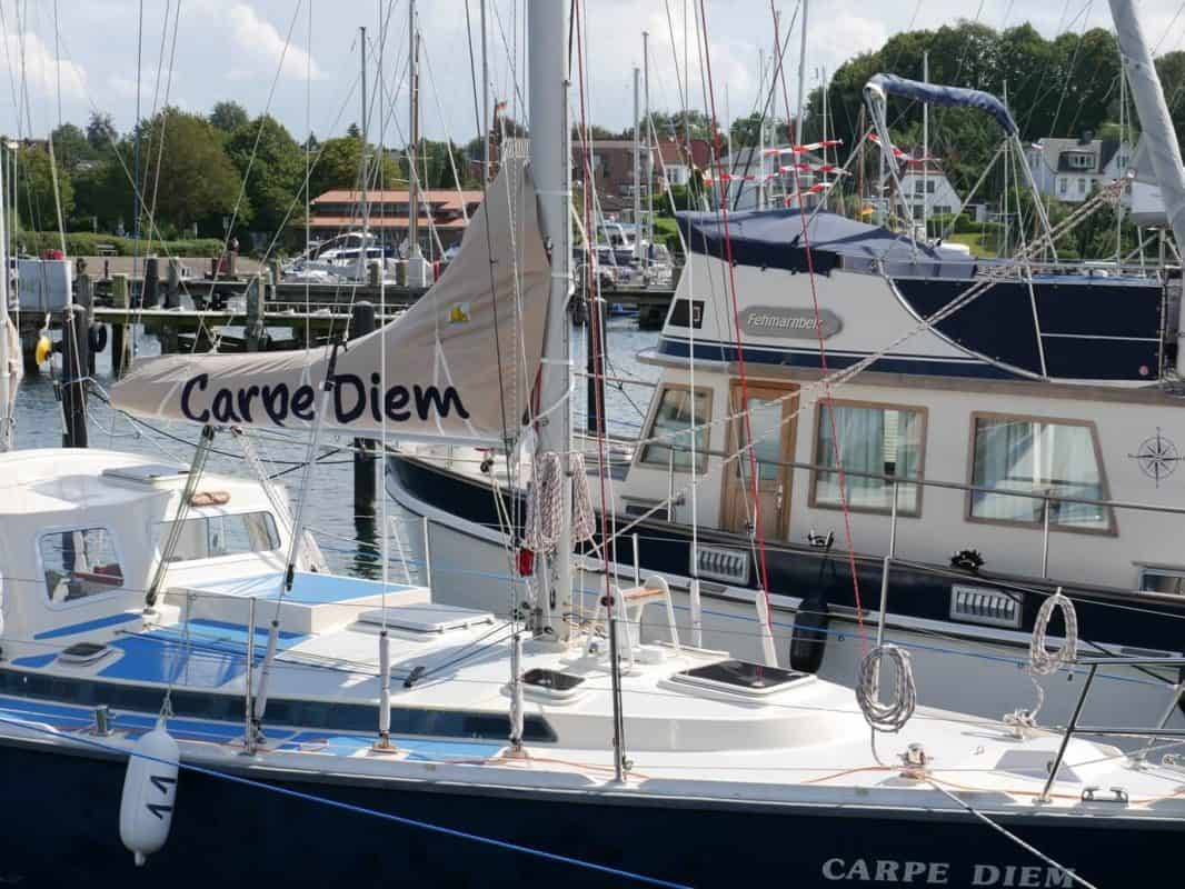 "Segelboot ""Carpe Diem"" in Heikendorf"