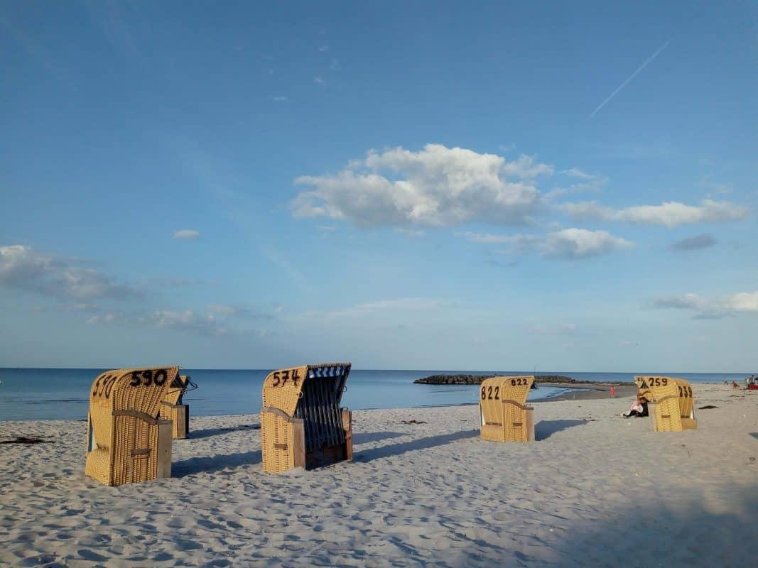 Strandkörbe am Schöneberger Strand
